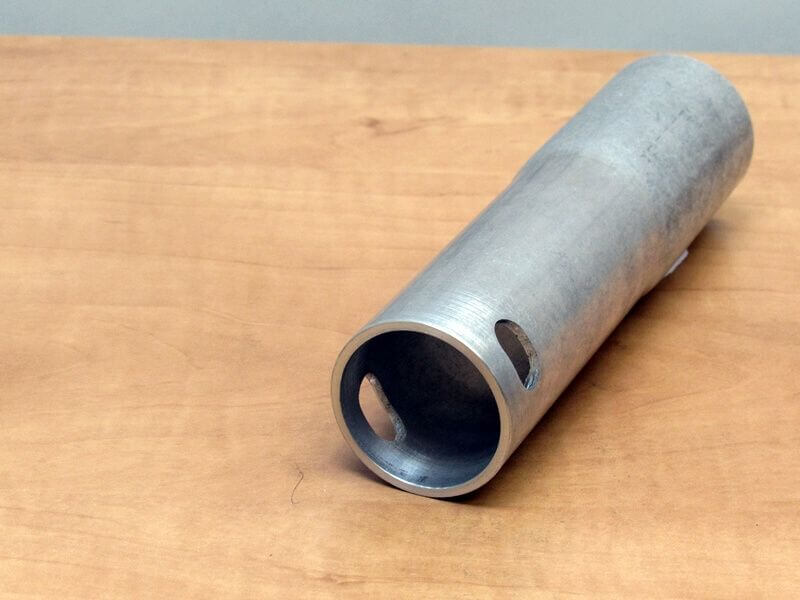 Geponst buis aluminium