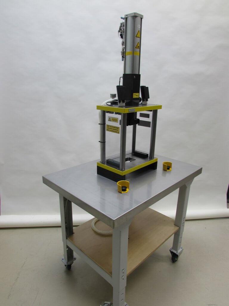2 platen frame met snelslag cilinder