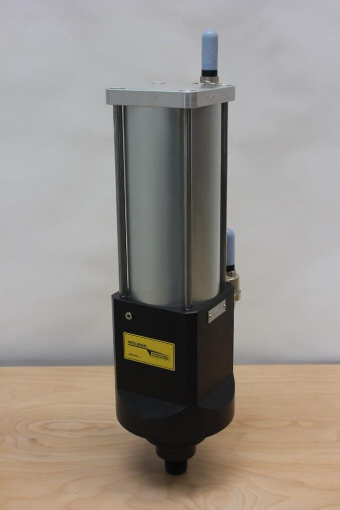 Hydropneumatische krachtcilinder KC40 vooraanzicht