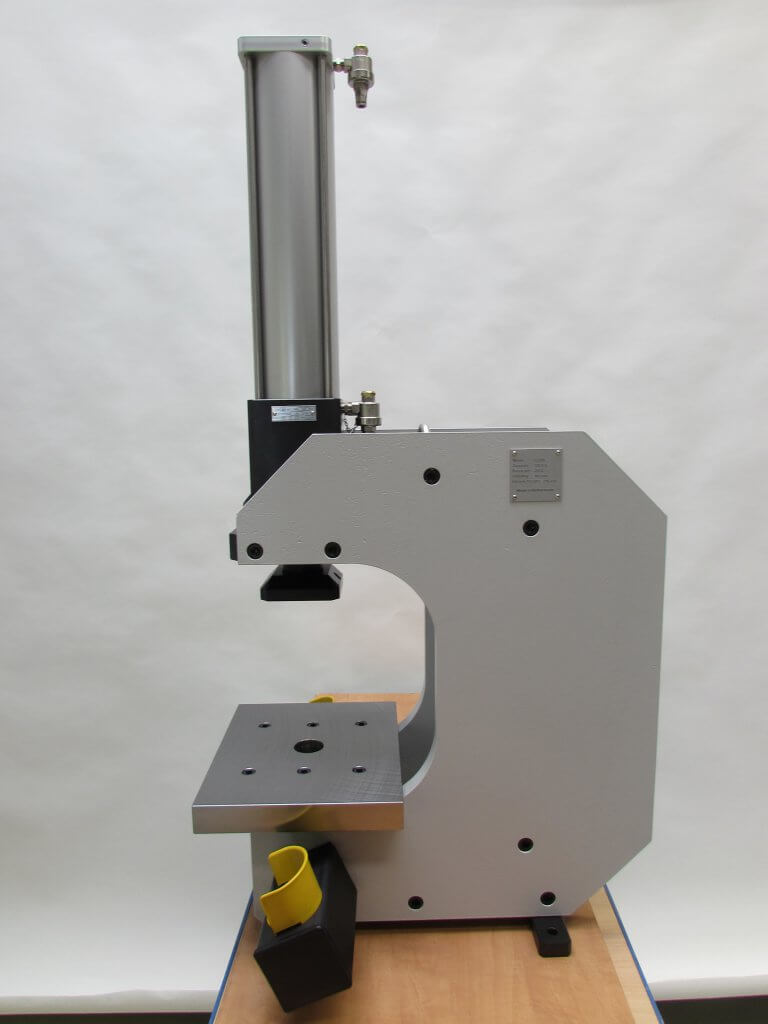 C-frame pers Meuleman Engineering