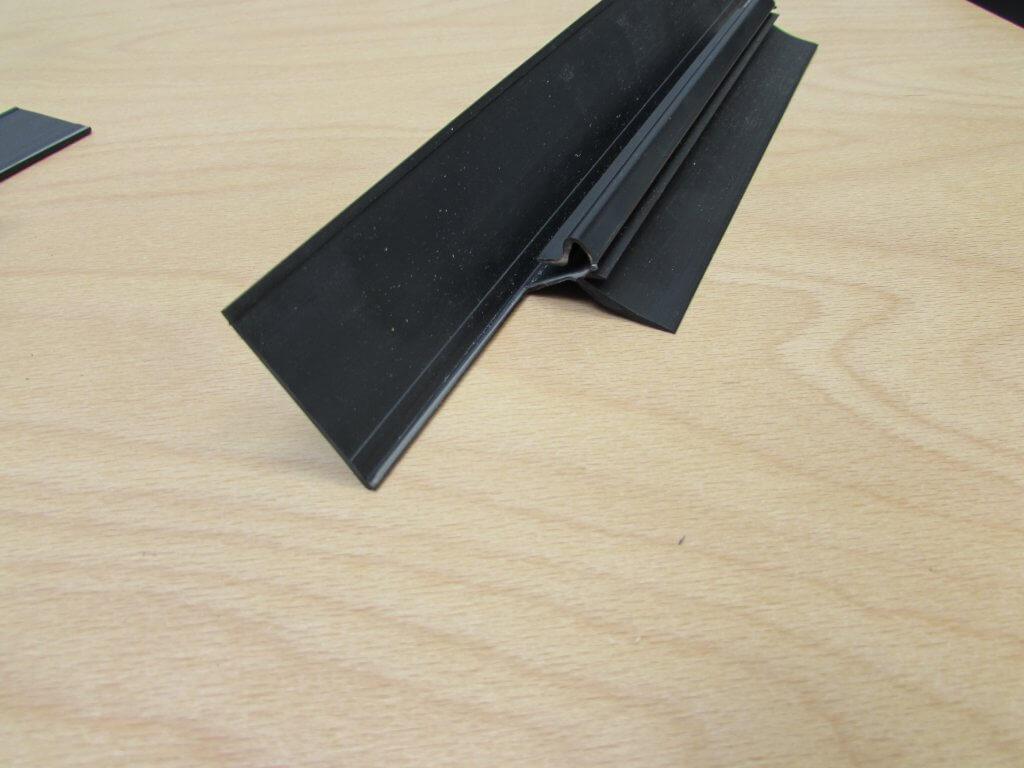 Uitknippen kunststof rubber profiel